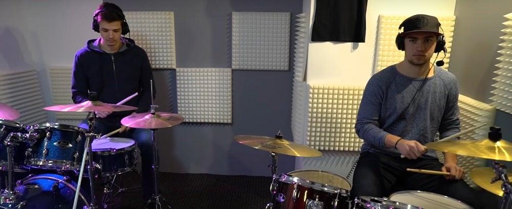 Das Eisbären-Portaträt VII - Die Schlagzeuger