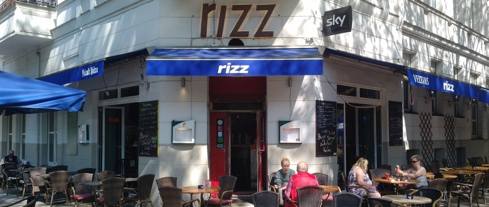 Eishockey-WM-Quartier im Cafe Rizz in Kreuzberg